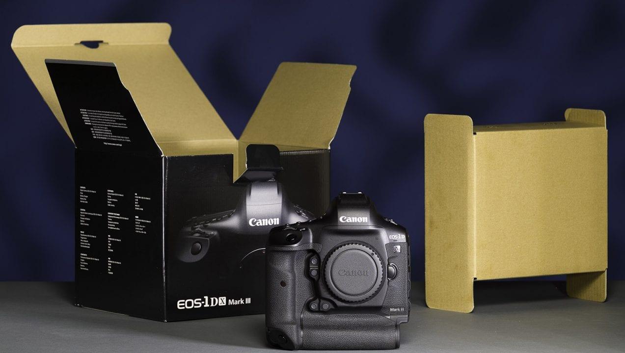 Canon 1DX Mark III unboxing