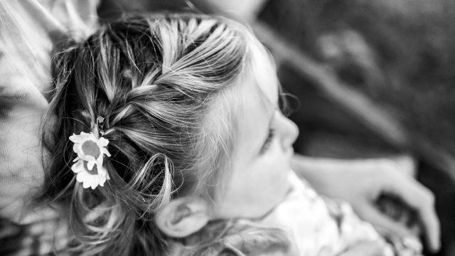 toddler girl hair plait flower